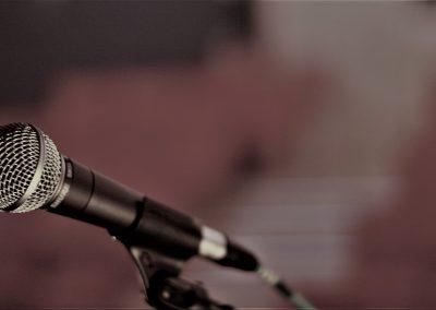 microphone-2425452_1920