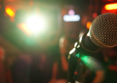 microphone-3989879_1920