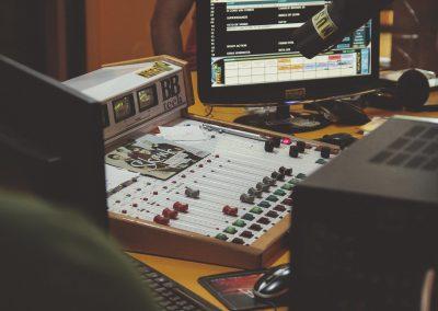 soundboard-1209885_1920